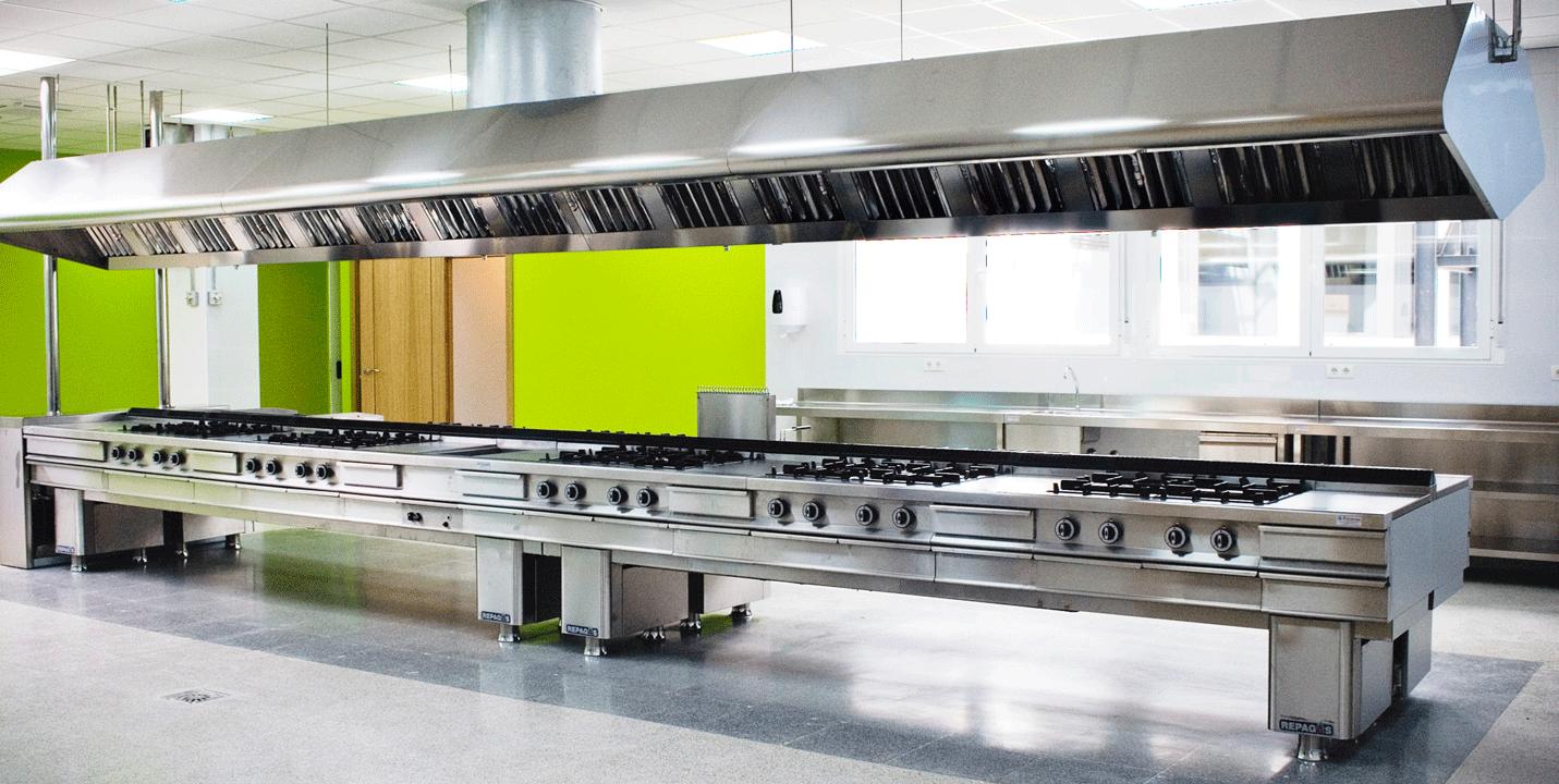 Cocinas lineales de cuatro metros gallery of encimeras for Cocina 3 metros lineales